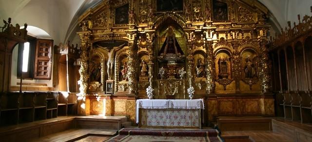 En el coro alto del Monasterio de la Encarnación fue donde se apareció la Virgen a Santa Teresa de Jesús
