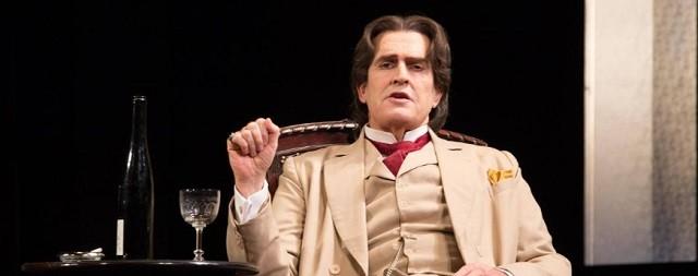 Rupert Everett interpreta a Wilde en una película que se centra en los últimos tiempos del escritor
