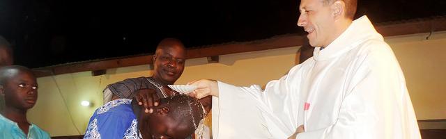 El misionero ha advertido de la gran diferencia espiritual que nota entre España y Togo