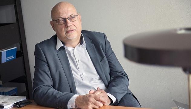 Willem Lemmens es profesor de la Universidad de Amberes y alerta al mundo de las consecuencias de la eutanasia en su país