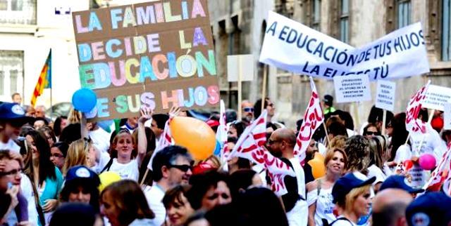 Las escuelas concertadas -muchas religiosas- defienden el derecho de las familias a elegir tipo de educación