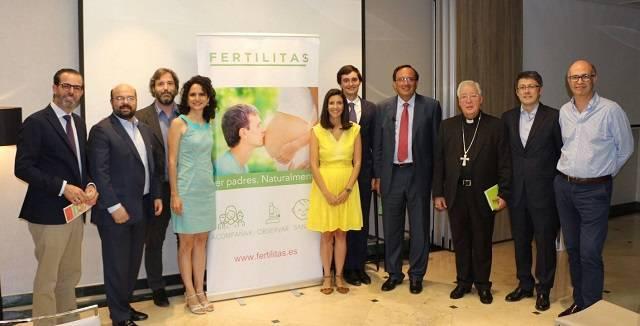 Presentación de Fertilitas, con la presencia del obispo de Alcalá, monseñor Reig Pla, siempre activo en la defensa de iniciativas favorables a la vida