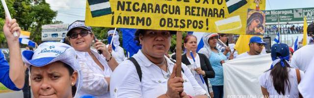 La población salió a las calles de Nicaragua el sábado para expresar su apoyo a los obispos