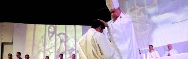 El obispo de Monterrey ordena a Gabirel en la cárcel... allí será el capellán de los presos