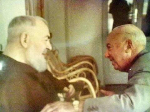Luigi Ghisleri, con el Padre Pío en San Giovanni Rotondo.