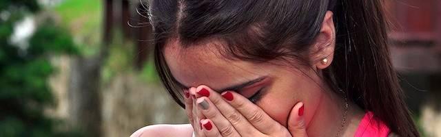 Los autores del experimento solo miden los efectos a cinco años y dicen que las chicas mutiladas «son felices»: las más pequeñas aún serán menores de edad pasado ese lapso. Los efectos a medio y largo plazo no forman parte de la investigación.