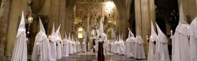 Las hermandades y el cabildo de Córdoba refutan el informe socialista que quiere confiscar la hermosa catedral católica