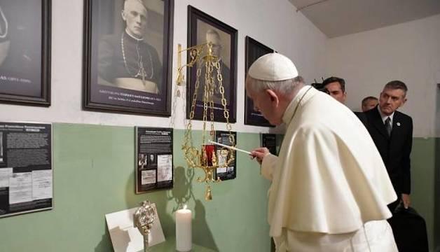 El Papa recordó a los católicos que fueron perseguidos y asesinados por los comunistas en Lituania
