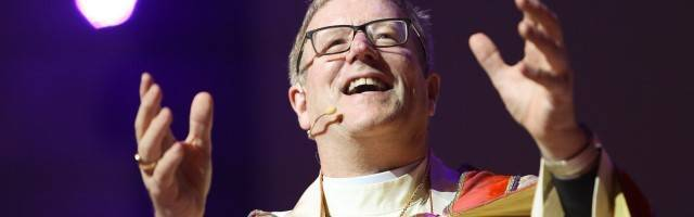 Robert Barron es obispo auxiliar de Los Ángeles y un popular evangelizador - pide una catequesis con apologética y argumentación razonada