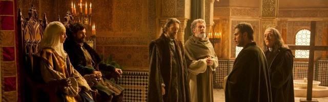 Isabel y Fernando, los Reyes Católicos, ya en Granada, en la teleserie Isabel de TVE... atendiendo a Colón