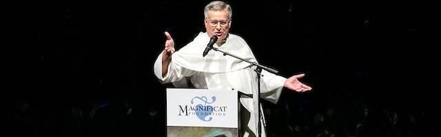 El padre Peter John Cameron, O.P., durante el «Magnificat Day» relatado por el enviado especial de «Le Figaro» a Nueva York.