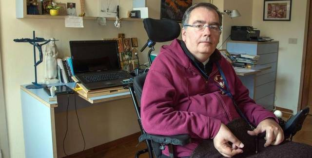 El padre Ronzoni quedó tetrapléjico en 2011 tras sufrir un gravísimo accidente de tráfico / Giorgio Boato- Avvenire