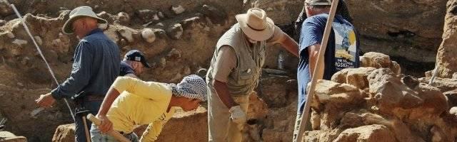 Excavaciones en Tall el Hamman, al norte del Mar Muerto... hubo ciudades y cultivos fértiles y en el 1.700 a.C. todo se hundió y las tierras se hicieron tóxicas