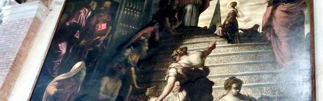 La Presentación de María en el Templo de Tintoretto se encuentra en la iglesia de la Madonna dell'Orto de Venecia.