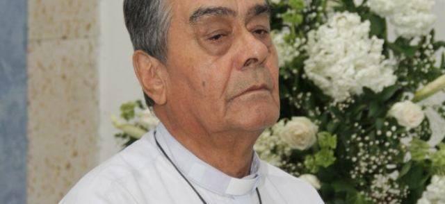 El sacerdote Luis Guillermo Correa ha sido exorcista durante más tres décadas y está formando a exorcistas más jóvenes en Cartagena de Indias