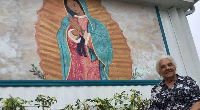 Esta anciana pintó esta imagen de la Virgen tras tener una 'revelación' durante una misa