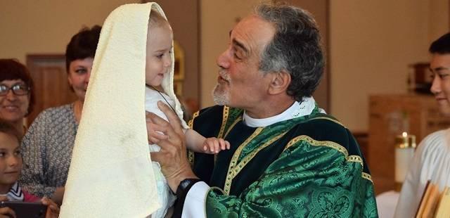 El padre Michael Shields lleva ya 25 años en esta misión en el extremo oriente de Rusia.