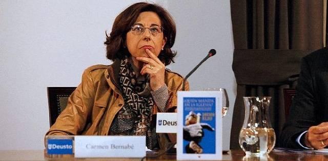 Carmen Bernabé es doctora en Teología Bíblica,  profesora titular de Nuevo Testamento en la Universidad de Deusto y directora de la Asociación Bíblica Española