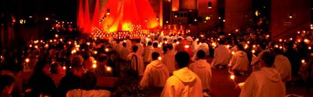 Taizé sigue moviendo a muchos jóvenes hacia Dios a través de la música, el silencio, la oración, la austeridad, la belleza y la Palabra de Dios