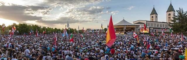 Cada año visitan Medjugorje millones de peregrinos. Muchos de ellos acuden con heridas y sin fe y vuelven transformados