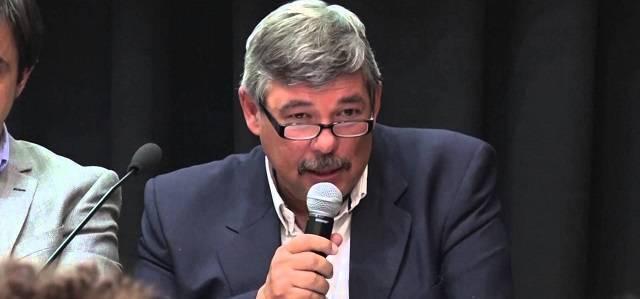 Jesús Silveyra es además de escritor, Subsecretario de Mercados Agropecuarios del gobierno de Argentina
