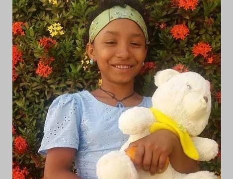 La pequeña Yuxury recibió una bala en la cabeza, perdió sangre y masa encefálica, tiene una lesión cerebral... y está perfectamente bien...
