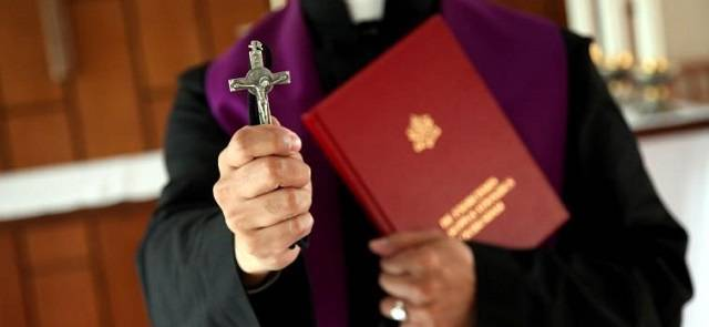 Los datos de diócesis de todo el mundo evidencian el aumento de las personas que acuden a los exorcistas a pedir ayuda
