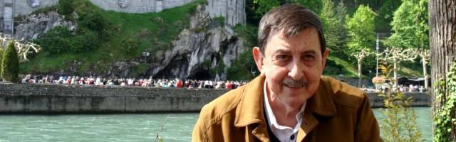 José Antonio Godina en Lourdes... cada año colabora en la organización de un peregrinación al santuario