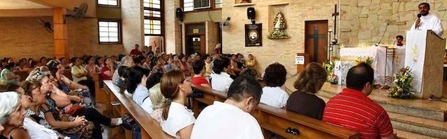 Los frutos espirituales de la asistencia misa guardan proporción con la participación interior en ella, conscientes de su importancia.