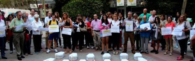 Una protesta ante el negocio abortista Dator, donde el Samur quería llevar a Diana... una empresa privada que se enriquece con dinero público