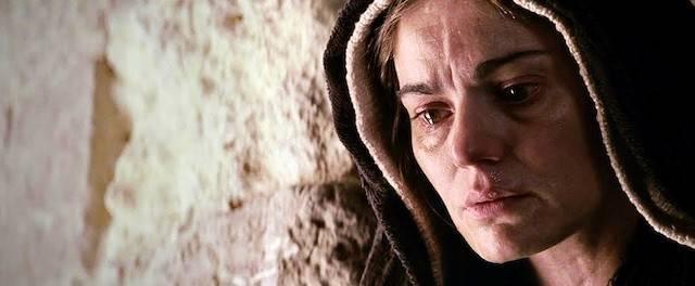 Maia Morgenstern fue la Virgen María en «La Pasión» (2004) de Mel Gibson, donde su maternidad espiritual sobre todos los hombres quedó plasmada claramente, conforme al Evangelio.