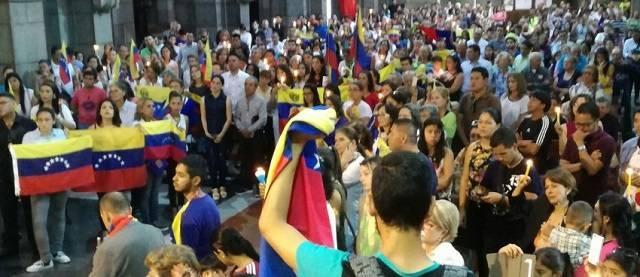 El sacerdote Ricardo Vivas explica cómo en Venezuela se ha incrementado la fe del pueblo pese al hambre y la represión