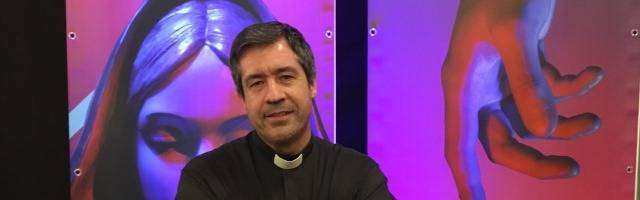 Rafael Pérez Huete, párroco de los Santos Inocentes, en Madrid, ya de niño conoció de cerca la muerte y la lejanía de Dios... pero Él lo reservó y lo llamó a servirle