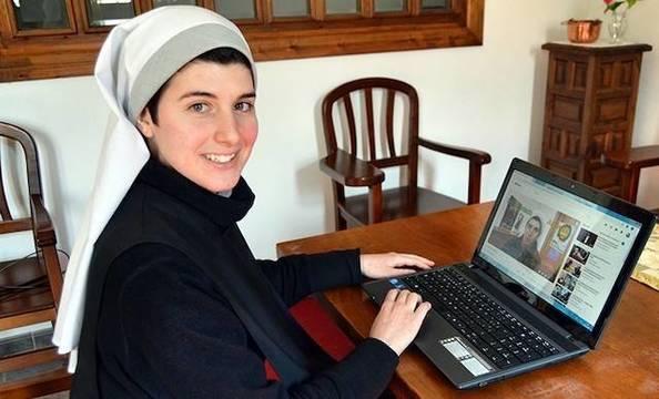 La hermana Marta va a empezar a subir en Youtube vídeos evangelizadores. Foto: Sahagún Digital.