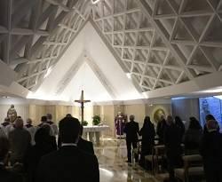 El Papa celebra misa como cada mañana en la Casa Santa Marta / Vatican Media