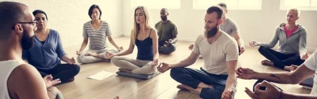 El mindfulness es meditación orientalista moderna y hasta hipster... pero el esfuerzo de hacer vacío puede abrir puertas a lo sobrenatural maligno, dicen exorcistas