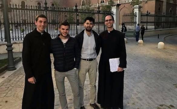 De izquierda a derecha, el hermano Pablo Fernández, Gunter Rauer, Álvaro Saurina y el hermano Brian Jackson.
