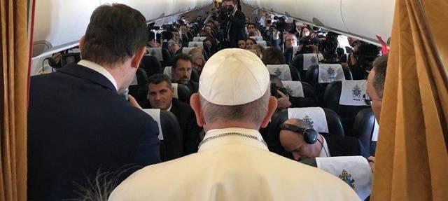 El Papa respondió como ya es tradición a las preguntas de los periodistas durante el vuelo de vuelta de Marruecos / Vatican Media