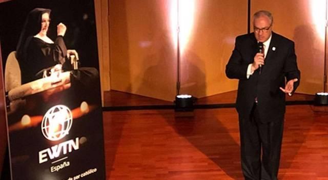 Michael Warsaw, consejero delegado de EWTN, en un momento del acto. Foto: Blanca Ruiz / ACI Prensa.