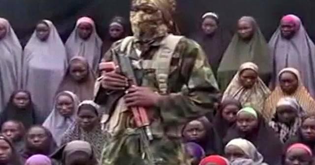 El 14 de abril de 2014, Boko Haram secuestró a 276 niñas de una escuela secundaria en Chibok (Borno, Nigeria). La protagonista de esta historia, Ruth, compartió cautiverio y esclavitud sexual con ellas.