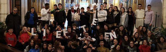 Adolescentes y monitores de LifeTeen en la parroquia de San Cosme y San Damián, en Burgos... LifeTeen está ya en 120 parroquias