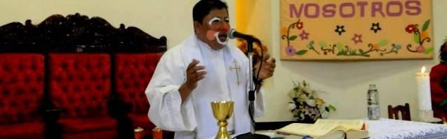 La liturgia -incluso con niños- tiene fuerza y sentido en sí misma, con la repetición, y no admite improvisaciones ni ocurrencias o irreverencias