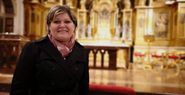 Elena entró a formar parte de la Iglesia Católica en la pasada Vigilia Pascual en la catedral de Burgos / Archidiócesis de Burgos