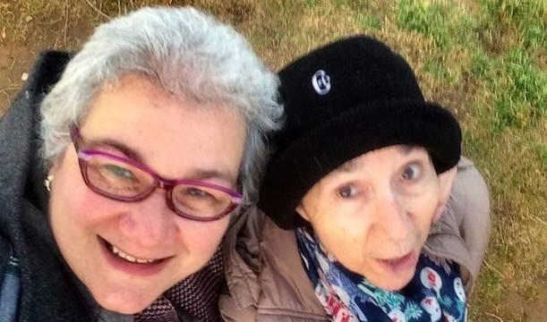 Helena Faccia, colaboradora de ReL, ofrece un bello y profundo testimonio sobre su experiencia junto a su madre desde que ella sufre Alzheimer.