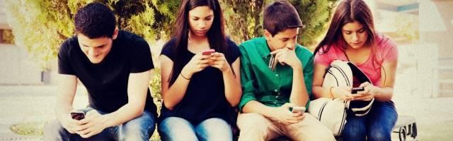 Los adolescentes pueden caer en comportamientos dañinos o adictivos por varias presiones, malos ejemplos, falta de amor...