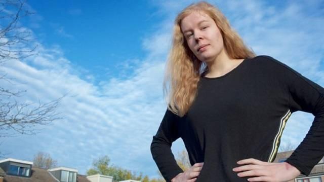 Noa Pothoven acudió por primera vez a pedir la eutanasia cuando cumplió los 16 años, momento en el que ya no necesitaba el consentimiento paterno