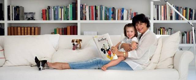 María Vallejo-Nágera con su sobrina Victori, con síndrome de Down.