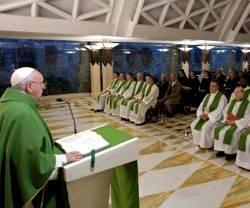 El Papa Francisco usó el libro de Ageo, de la misa del día, para predicar contra la tibieza espiritual