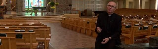 Vincent Lampert es el exorcista oficial de la arquidiócesis de Indianápolis y está acostumbrado a hablar en público de su ministerio