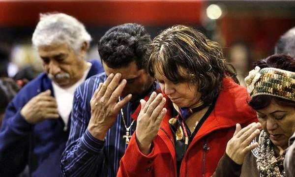 La señal de la Cruz es la mayor protección del cristiano contra el demonio y su principal proclamación de fe ante los demás.